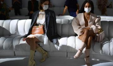 Confirmation de la tenue de Milan Fashion week 2021.