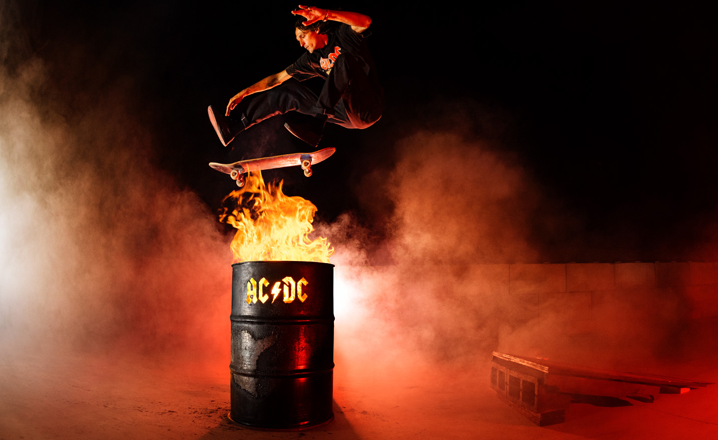 ACDC DC Shoes Back in black