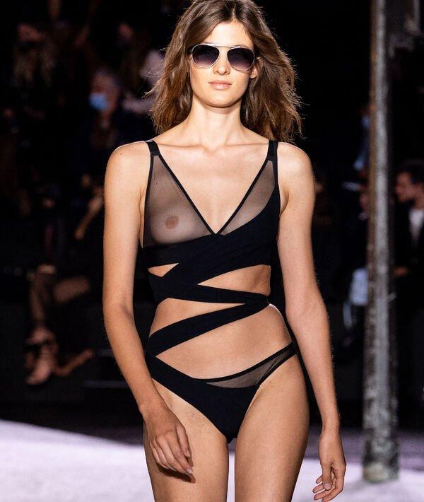 Soutien-gorge n°8 - triangle en tulle sans armatures - PURE MESH - 95C - Noir - Femme - Etam