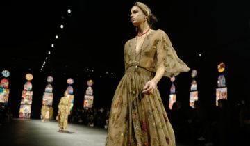 Protectrice et sensuelle, la mode à Paris au temps du Covid.