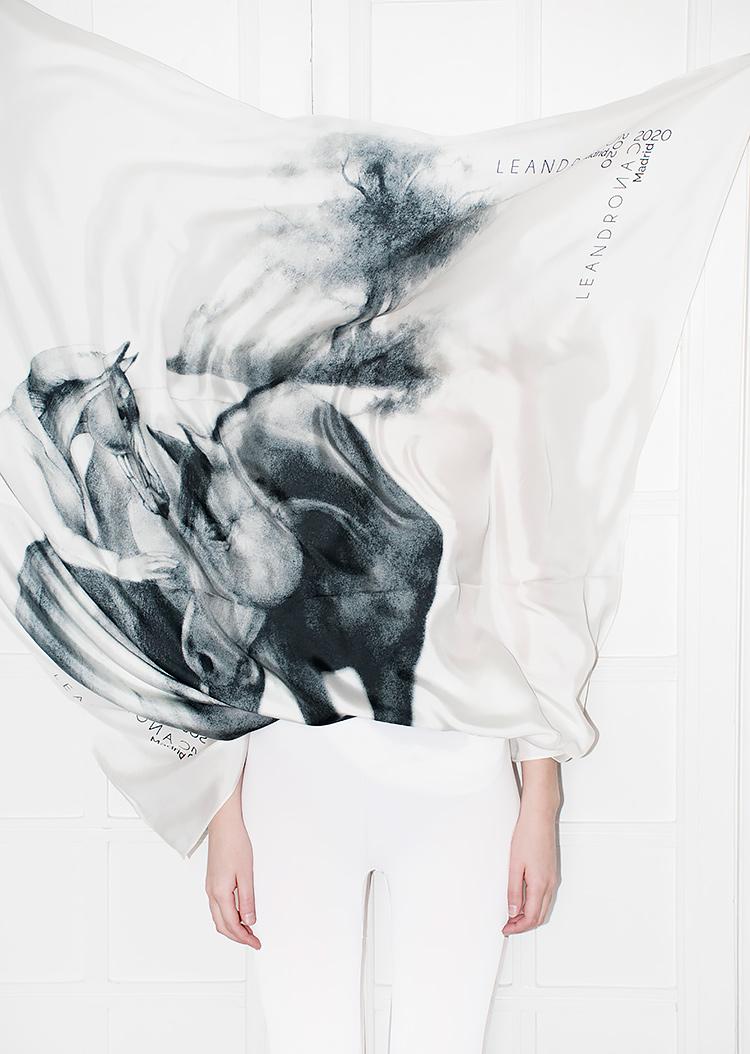 leandro cano benudemagazine foulard